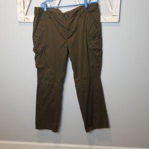 Eddie Bauer olive green cargo pants 18P